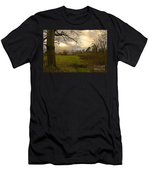I Follow The Sunset. Men's T-Shirt (Athletic Fit)
