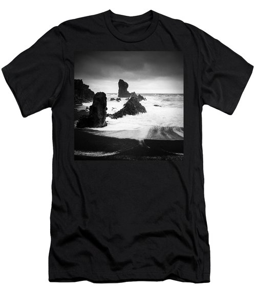 Iceland Dritvik Beach And Cliffs Dramatic Black And White Men's T-Shirt (Athletic Fit)