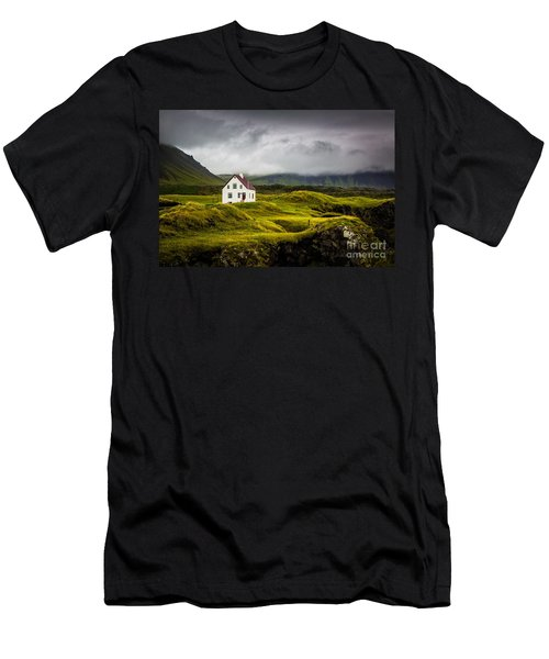 Iceland Scene Men's T-Shirt (Athletic Fit)