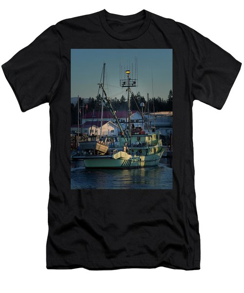 Men's T-Shirt (Slim Fit) featuring the photograph In For Ice by Randy Hall