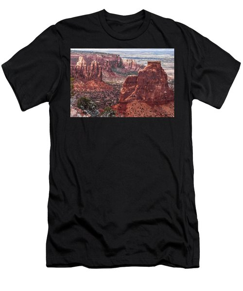 Independence Monument At Colorado National Monument Men's T-Shirt (Athletic Fit)