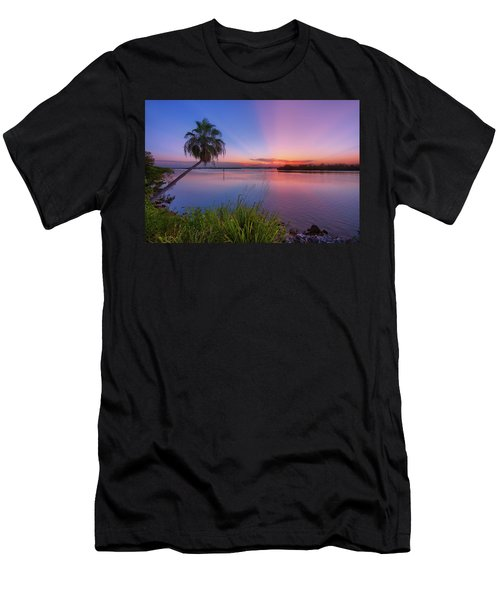 Indian River State Park Bursting Sunset Men's T-Shirt (Athletic Fit)