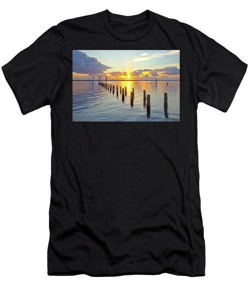 Indian River Sunrise Men's T-Shirt (Athletic Fit)
