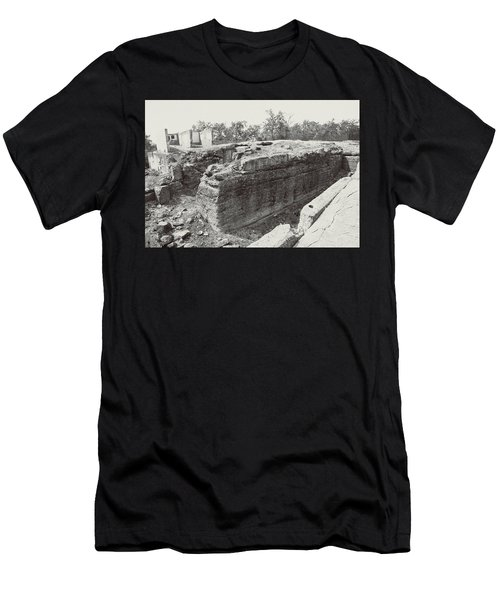Into The Ruins 5 Men's T-Shirt (Athletic Fit)