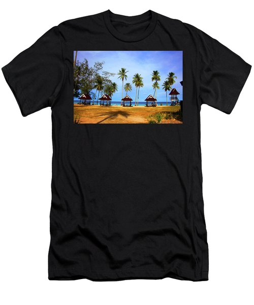 It's Real And Close Men's T-Shirt (Athletic Fit)