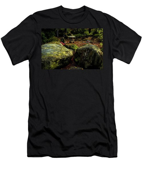 Japanese Garden Lantern Men's T-Shirt (Athletic Fit)