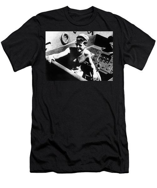 Jfk On Pt 109 Painting Men's T-Shirt (Athletic Fit)