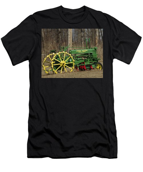 John Deer Tractor Men's T-Shirt (Athletic Fit)