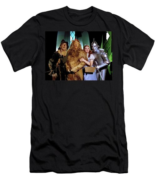 Judy Garland And Pals The Wizard Of Oz 1939-2016 Men's T-Shirt (Athletic Fit)
