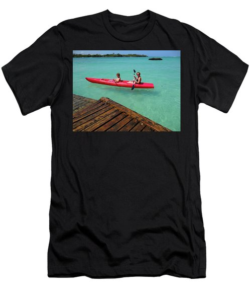Kayaking Perfection 1 Men's T-Shirt (Athletic Fit)