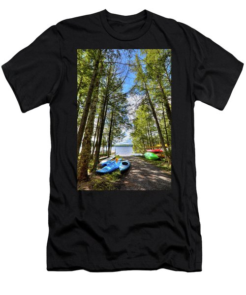 Men's T-Shirt (Athletic Fit) featuring the photograph Kayaks At Palmer Point by David Patterson