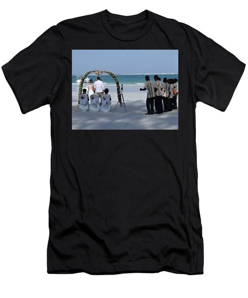 Kenya Wedding On Beach Happy Couple Men's T-Shirt (Athletic Fit)