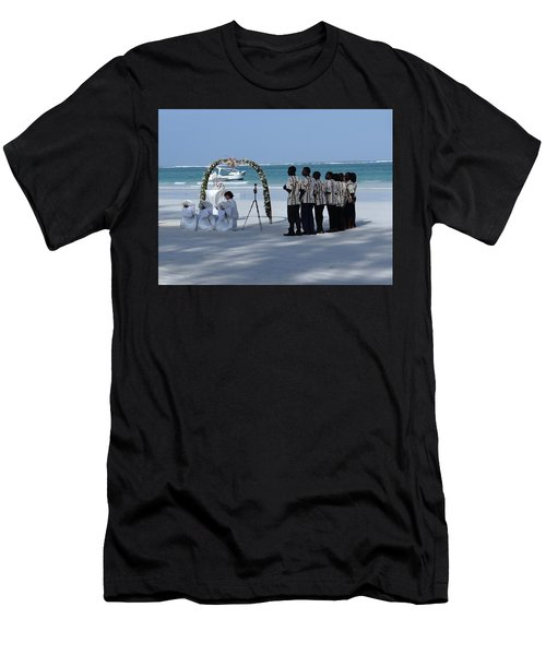 Kenya Wedding On Beach Singers Men's T-Shirt (Athletic Fit)