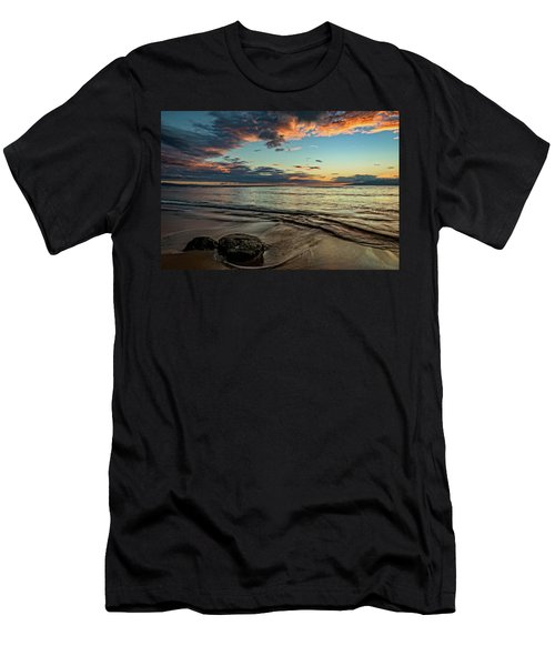Kihei, Maui Sunset Men's T-Shirt (Athletic Fit)