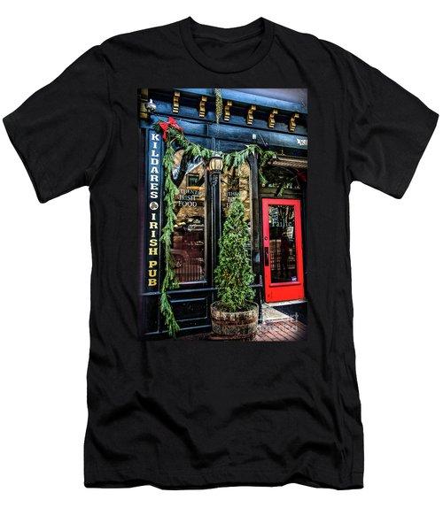 Kildares Irish Pub At Christmas Men's T-Shirt (Athletic Fit)