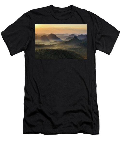 Kleiner Winterberg Silhouettes, Saxon Switzerland, Germany Men's T-Shirt (Athletic Fit)