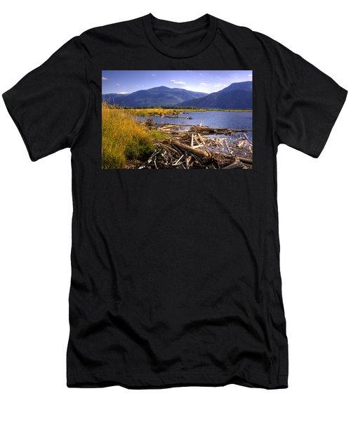 Kootenai Lake Bc Men's T-Shirt (Athletic Fit)