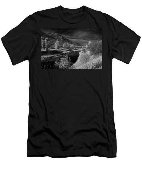 Kootenai Wildlife Refuge In Infrared 3 Men's T-Shirt (Athletic Fit)