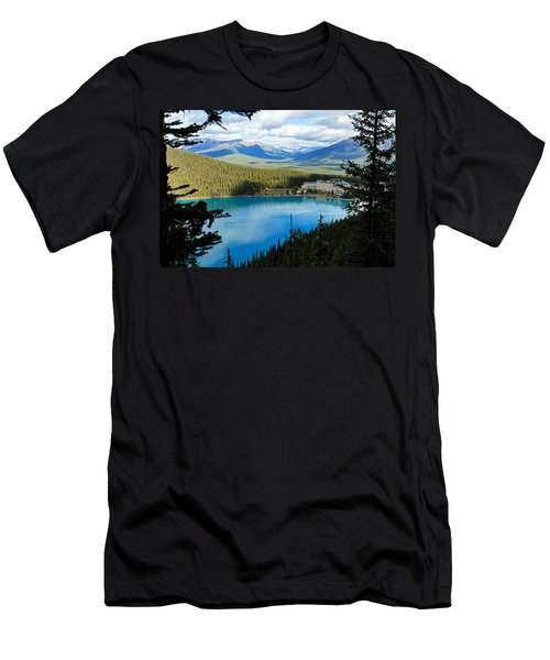 Lake Louise Chalet Men's T-Shirt (Athletic Fit)