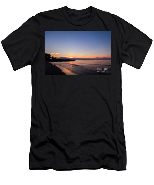 Lake Ontario Beach Sunset Men's T-Shirt (Athletic Fit)