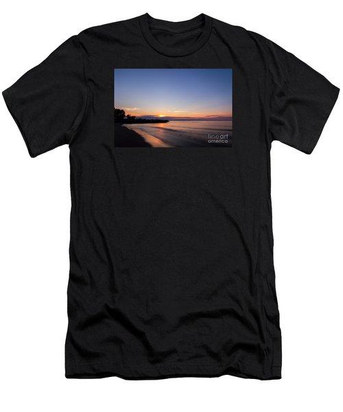 Lake Ontario Beach Sunset Men's T-Shirt (Athletic Fit)