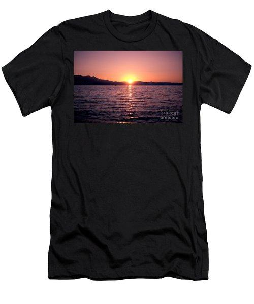 Lake Sunset 8pm Men's T-Shirt (Athletic Fit)