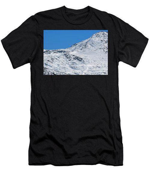 Lakes Of The Clouds Hut And Mount Monroe Men's T-Shirt (Athletic Fit)