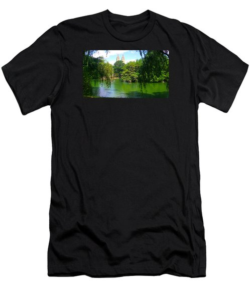 Lakeside In Manhattan, New York Men's T-Shirt (Athletic Fit)