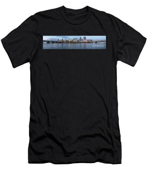 Large Panorama Of Downtown London Betwen The London Bridge And T Men's T-Shirt (Athletic Fit)