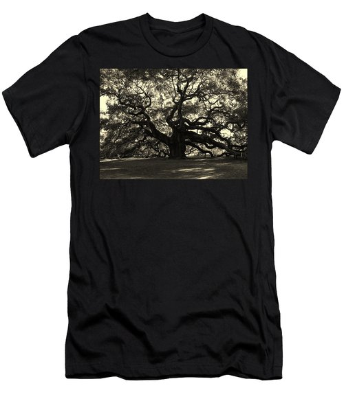 Last Angel Oak 72 Men's T-Shirt (Athletic Fit)