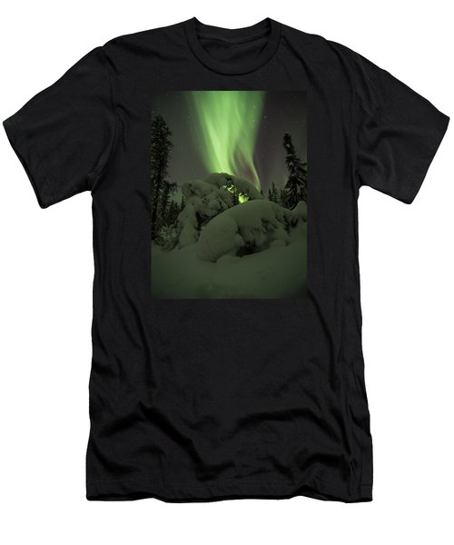 Leaning Spruce Aurora Men's T-Shirt (Athletic Fit)