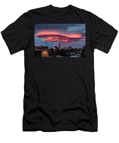 Lenticular Cloud Las Vegas Men's T-Shirt (Athletic Fit)