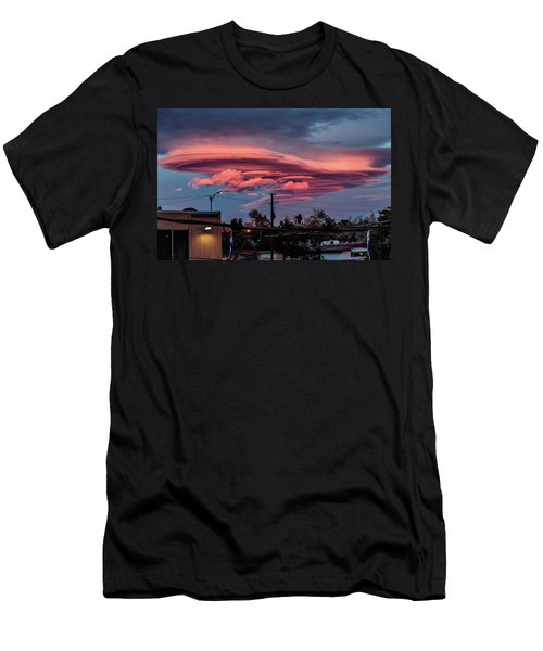 Lenticular Cloud Las Vegas Men's T-Shirt (Athletic Fit)