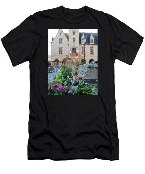 Libourne Town Hall Men's T-Shirt (Athletic Fit)