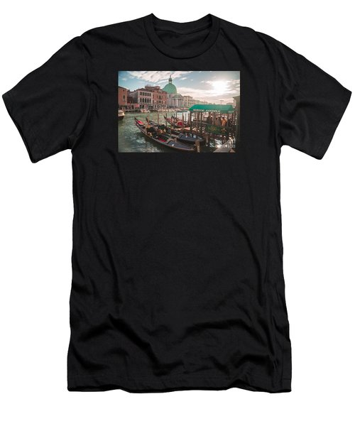Life Of Venice - Italy Men's T-Shirt (Athletic Fit)