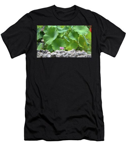 Light Purple Water Lily And Large Green Leaves Men's T-Shirt (Athletic Fit)