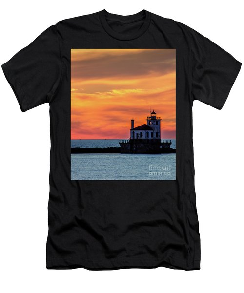 Lighthouse Silhouette Men's T-Shirt (Athletic Fit)