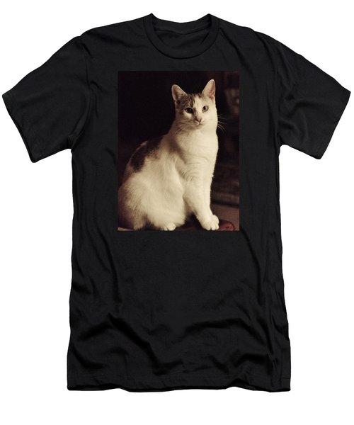 Lisa-lisa Posing Men's T-Shirt (Athletic Fit)