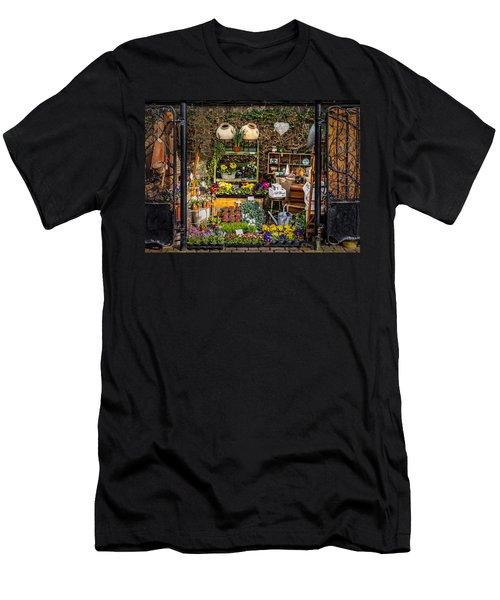 Little Market Men's T-Shirt (Athletic Fit)