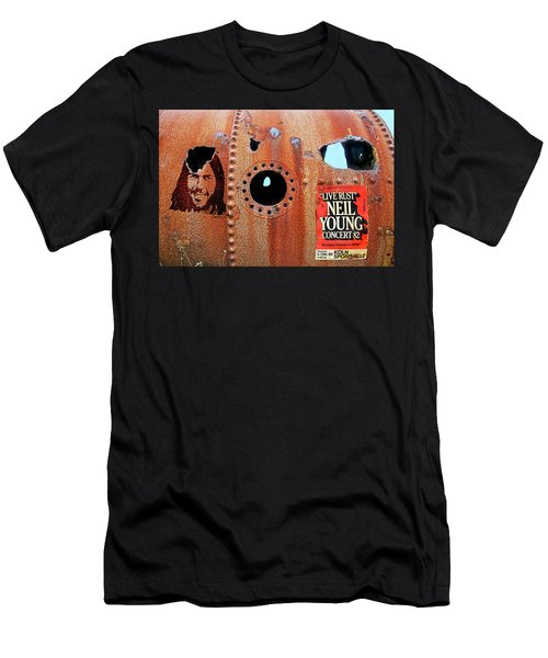 Live Rust, Neil Young Men's T-Shirt (Athletic Fit)