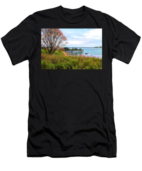 Lobster Traps Men's T-Shirt (Athletic Fit)