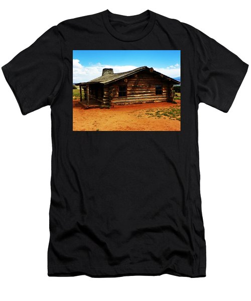 Log Cabin Yr 1800 Men's T-Shirt (Athletic Fit)