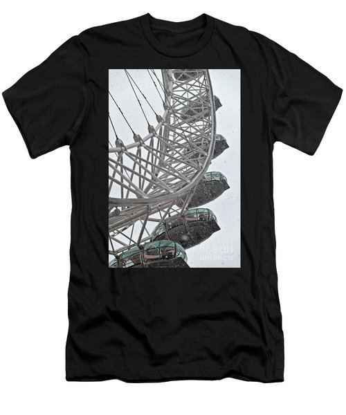 London Eye And Snow Men's T-Shirt (Athletic Fit)