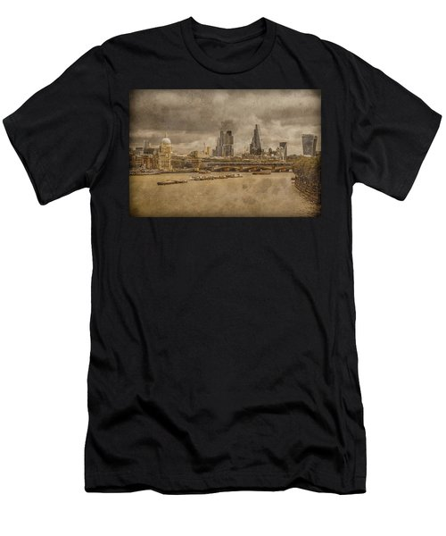 London, England - London Skyline East Men's T-Shirt (Athletic Fit)