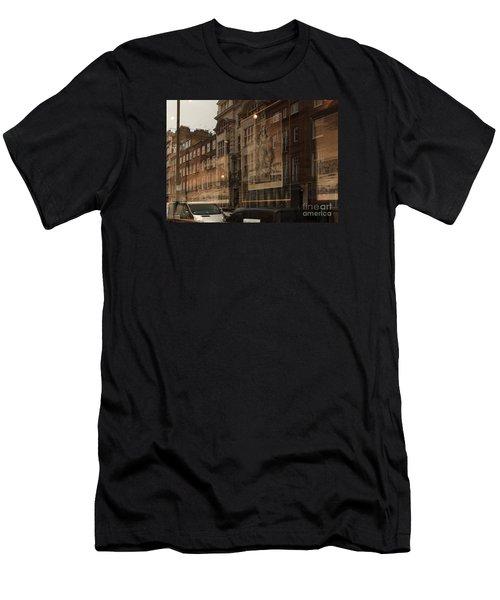 London,window Reflections Men's T-Shirt (Athletic Fit)