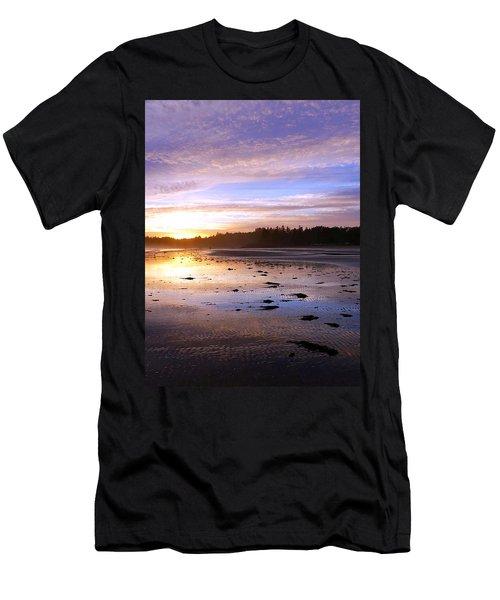 Long Beach, British Columbia Men's T-Shirt (Athletic Fit)