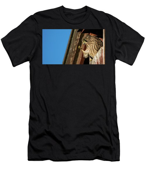 Look Men's T-Shirt (Athletic Fit)