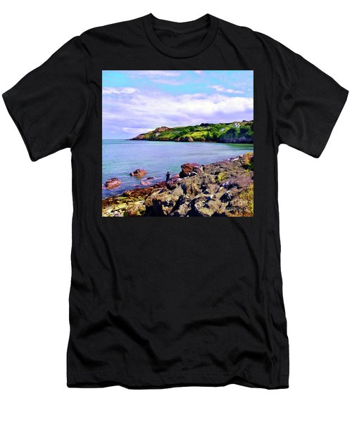 Looking Across Men's T-Shirt (Athletic Fit)