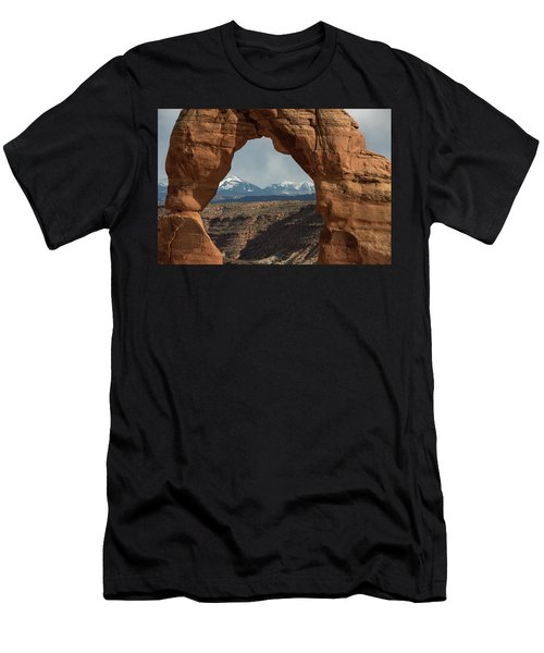 Looking Through Delicate Arch Men's T-Shirt (Athletic Fit)