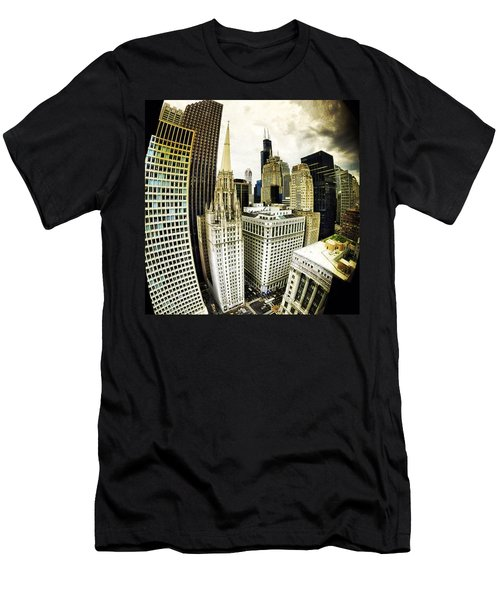 Looking Towards The Southwest And The Sears Tower Men's T-Shirt (Athletic Fit)